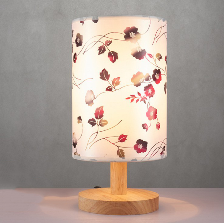 台灯卧室床头灯创意小台灯原木温馨网红现代简约家用北欧灯具