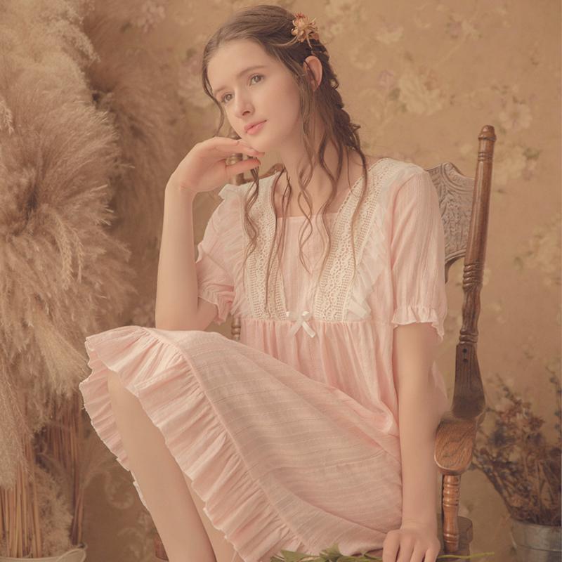純綿のねぶたのスカートの女性の2020新型の夏季の白色の超仙女の宮廷の風の家居服の半袖の長い項のかわいいパジャマ