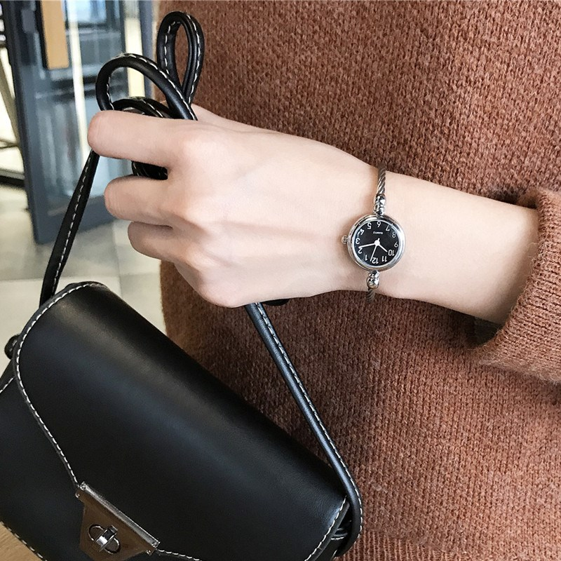 Chic style decorative watch, female student bracelet style opening small, fresh and versatile, Korean version of simple retro literary defense.