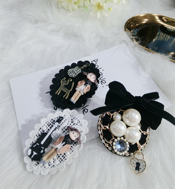 Japanese fashion trend pearl velvet dolls geometric rings autumn and winter Brooch fashion accessories