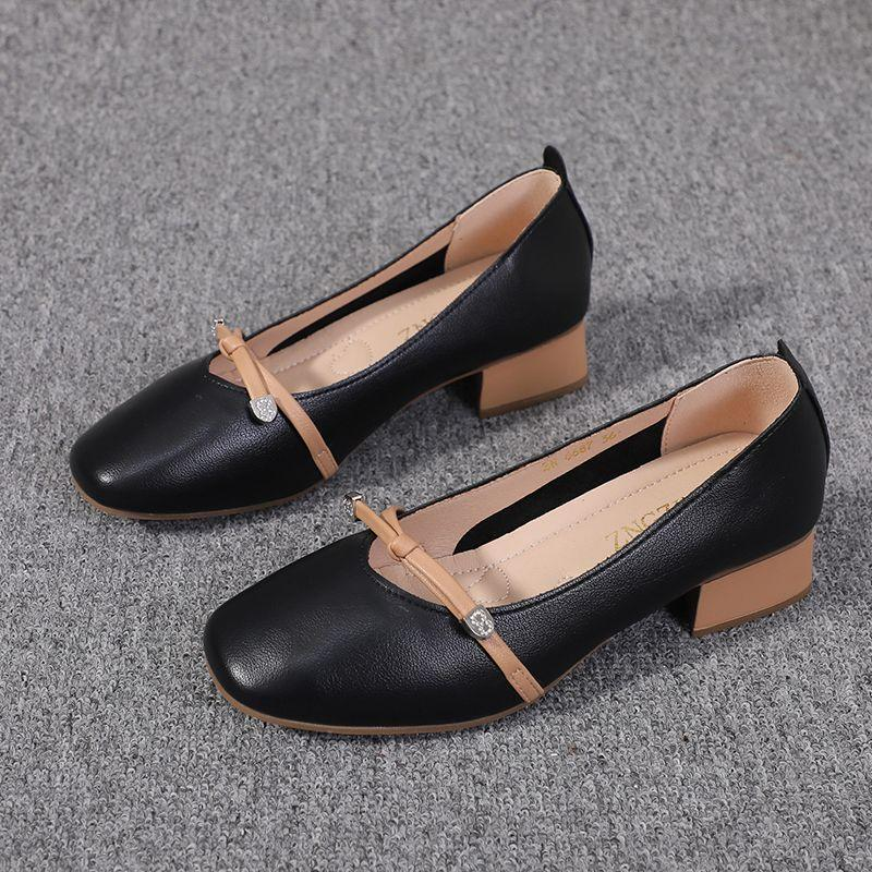 。  High heeled single shoes womens spring and autumn versatile thick heel shallow mouth Bow Soft sister grandmother shoes casual leather shoes