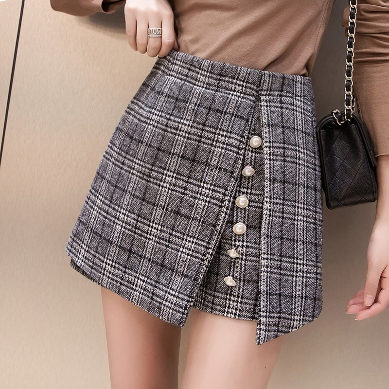 New winter 2018 high waisted and versatile, autumn and winter show thin, wear woolen plaid shorts skirt, underpants womens Korean fashion