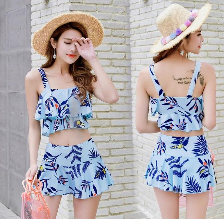 Three pieces of leisure low waist trend separate seaside split swimsuit childrens suit Korean warm top for girls and women