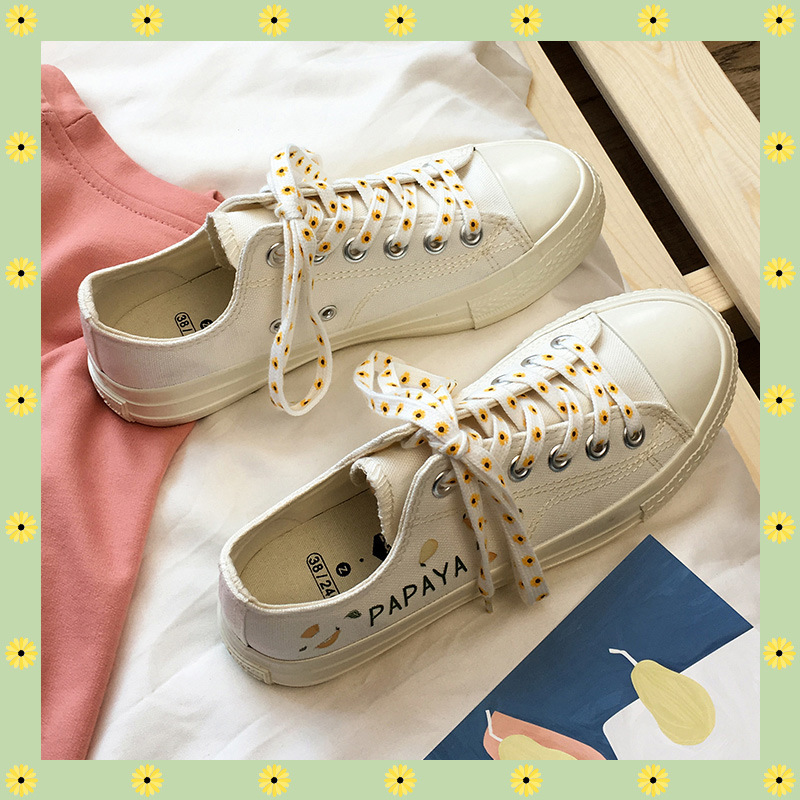 Mini paste printing small fresh canvas shoes spring 2020 new ins low top shoes ulzzang versatile Korean womens shoes