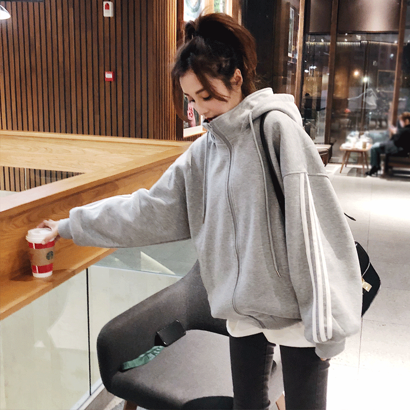 Autumn and winter Korean large size 200 kg loose jacket hooded cardigan womens Plush thickened sweater Baseball Jacket high collar