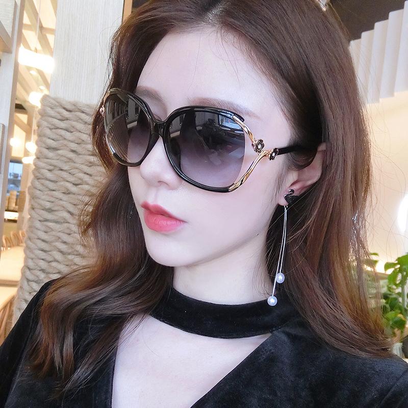Sunglasses Womens large frame super large thin anti UV Sunglasses driving hollow glasses 2019 new elegant round face