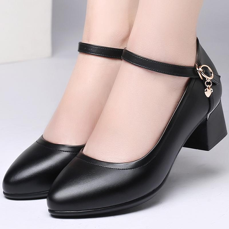 工作鞋女单鞋2019新款粗跟一字扣中跟软底真皮鞋中老年妈妈跳舞鞋