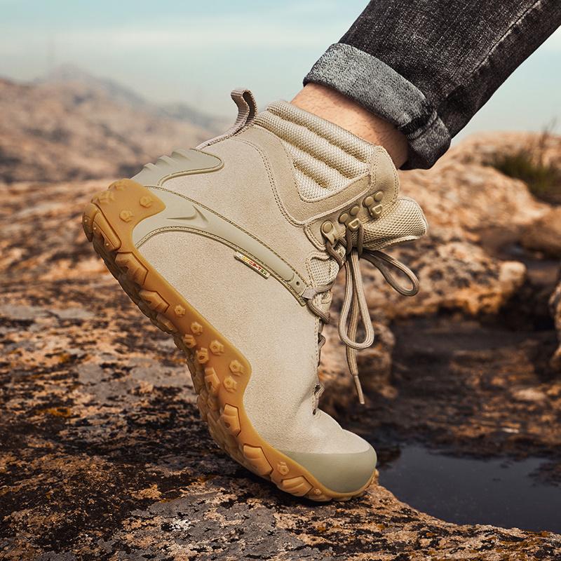 户外登山鞋男防水防滑高帮迷彩徒步鞋女攀爬减震耐磨旅游鞋沙漠靴