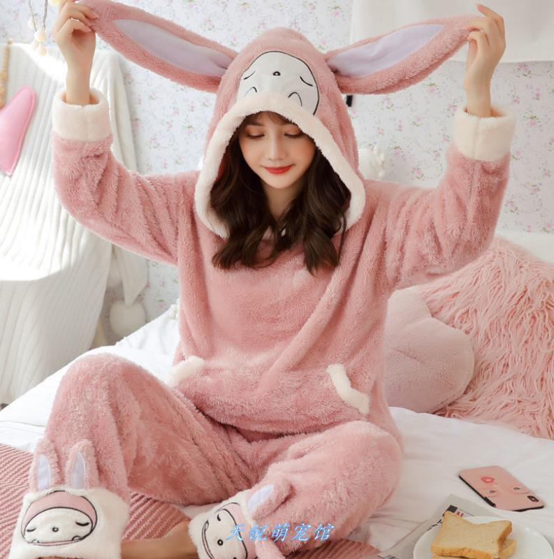 韓国の冬のパジャマの女性のかわいい連体は萌えを持っています。