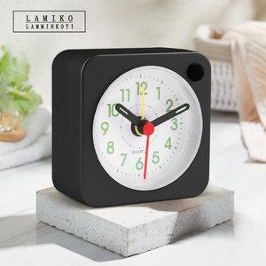 LAMIKO贪睡功能带夜灯小闹钟指针发光创意迷你儿童书房学习小台钟