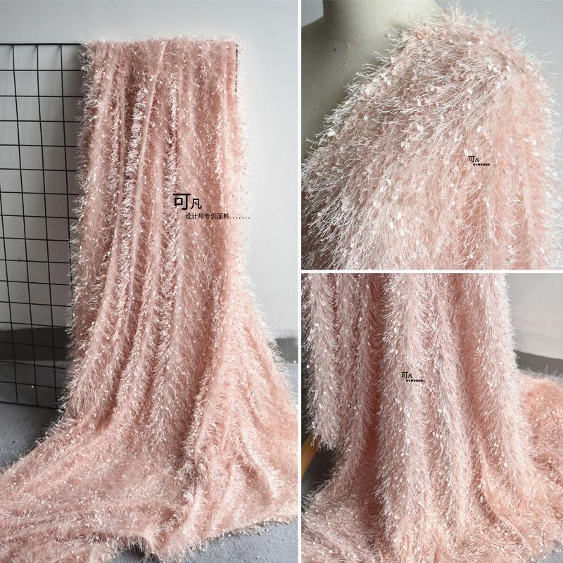 ピンクのカットの花焼きの長い立体羽毛の蘇州バッグの毛毛の绒のファッションのコートのデザイナーの布地