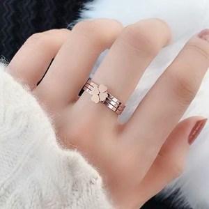 好看韩版戒指可爱四叶草女活扣森系清新独特三环情侣流行钛钢配饰