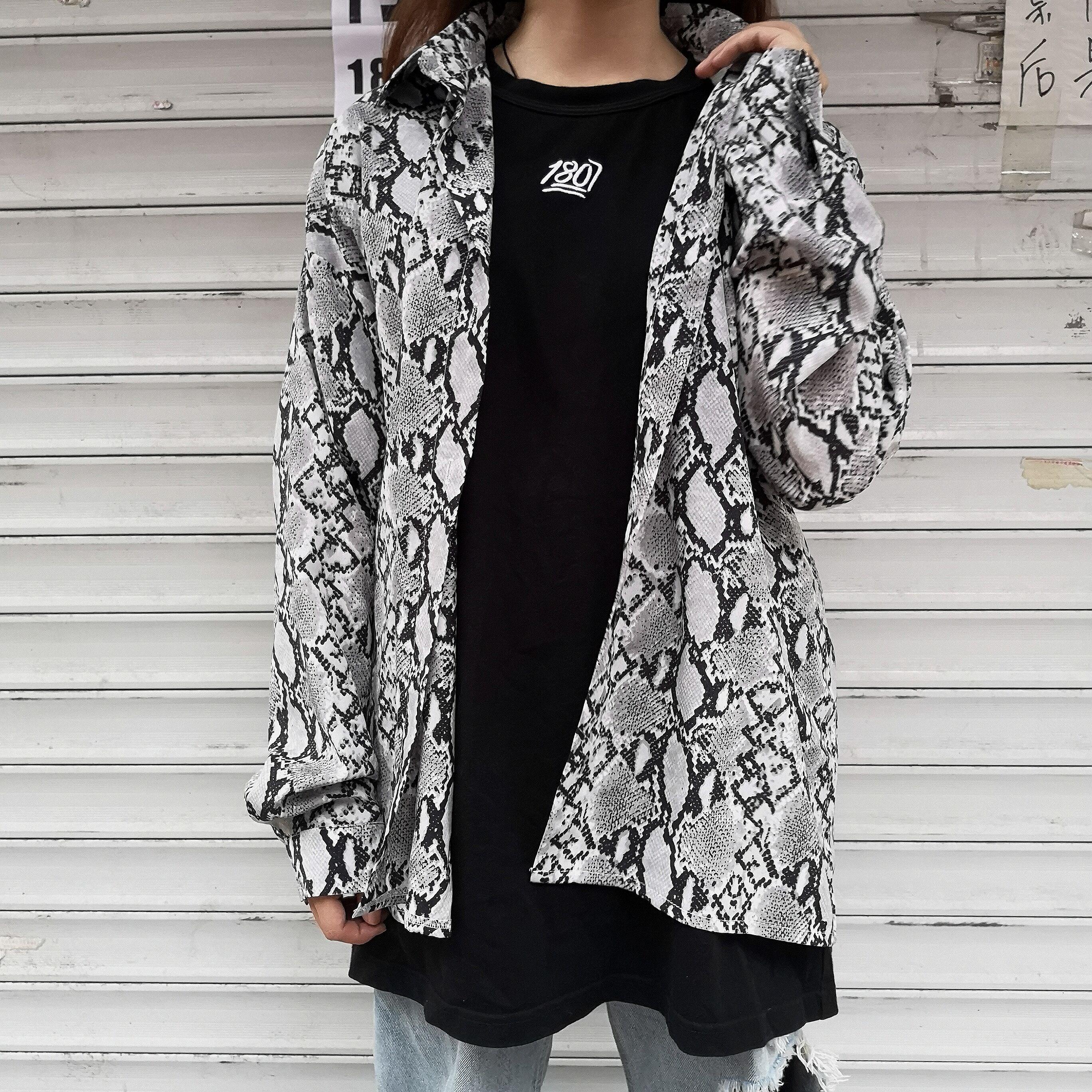 衬衫女韩版ins原宿风设计感小众复古蛇纹宽松休闲长袖上衣外套潮