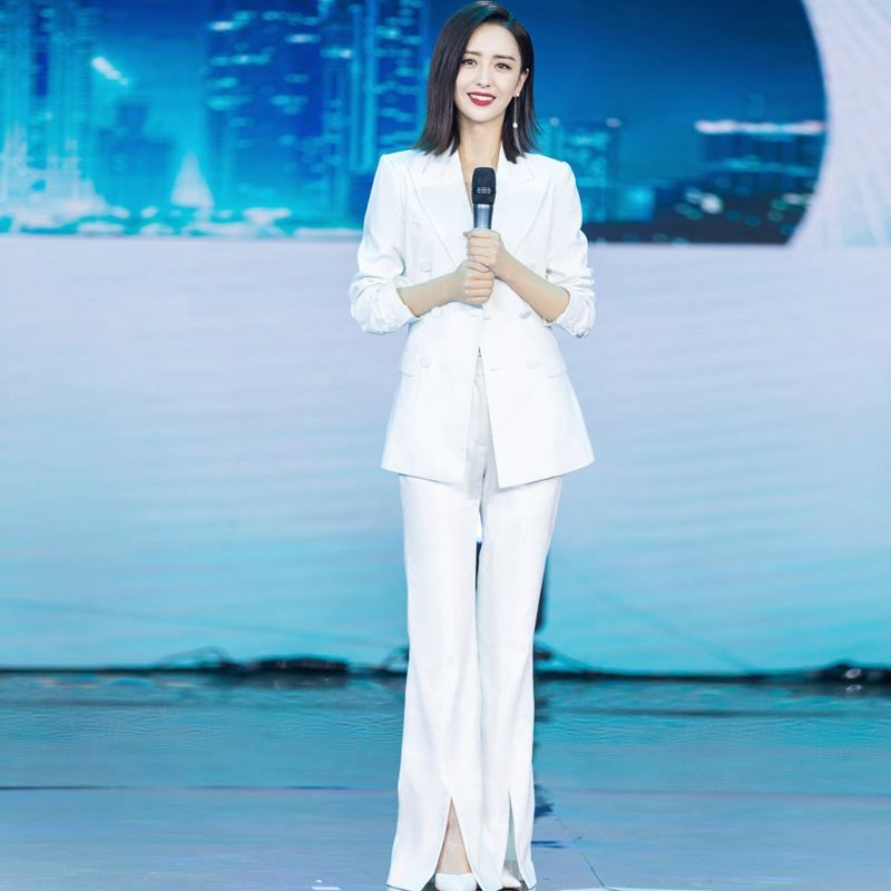 Tong Liya stars same white suit with slim waist, double breasted small suit, split pants, professional three piece set