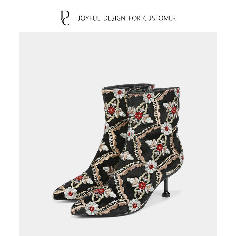 中国风情刺绣女靴民族风尖头高跟瘦瘦短靴