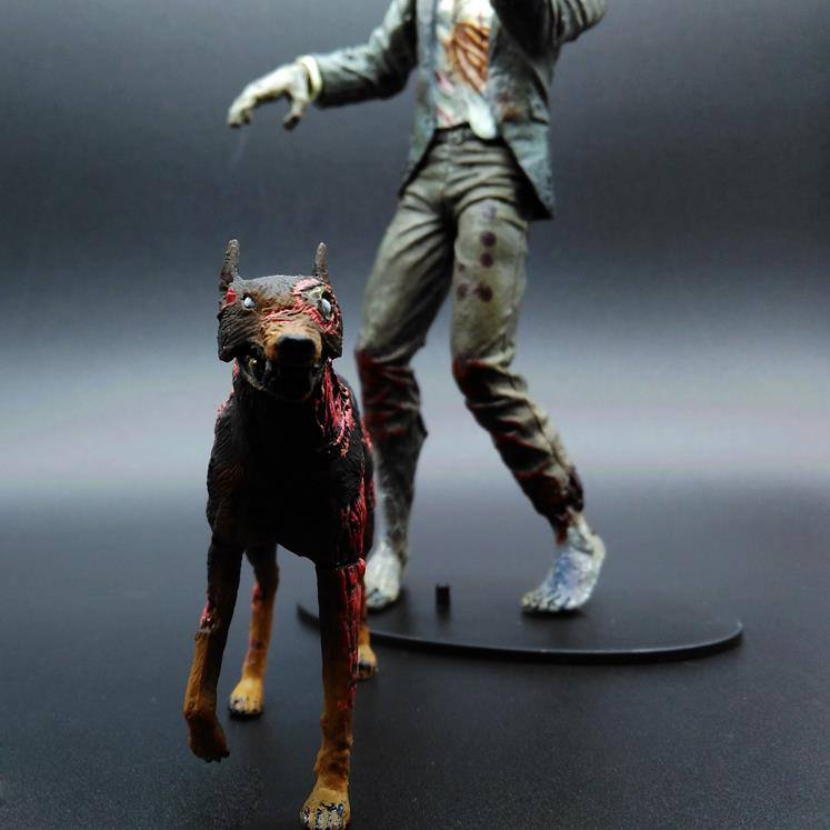 Biochemical crisis walking corpse licker zombie zombie dog mobile doll hand game NECA