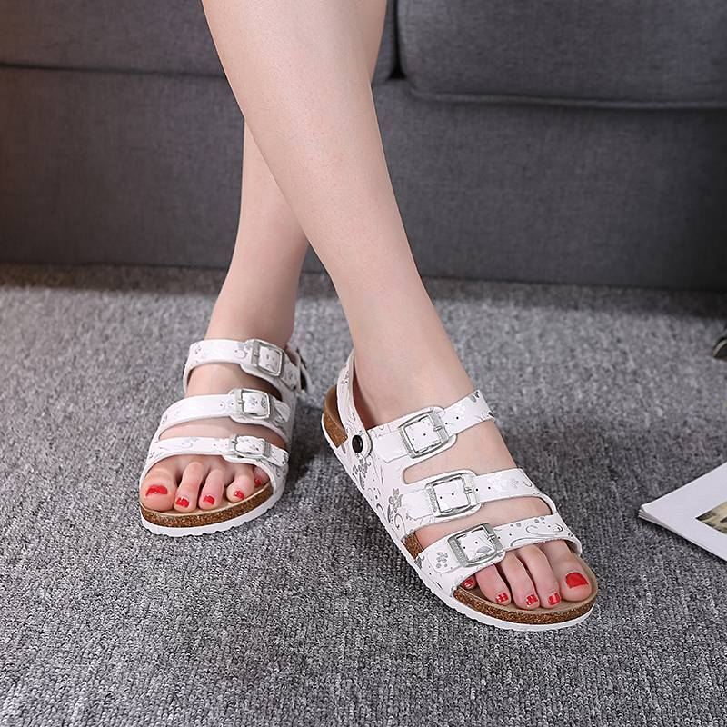 Summer womens Cork sandals are antiskid. Two pairs of versatile couple sandals, mens flat bottom beach shoes