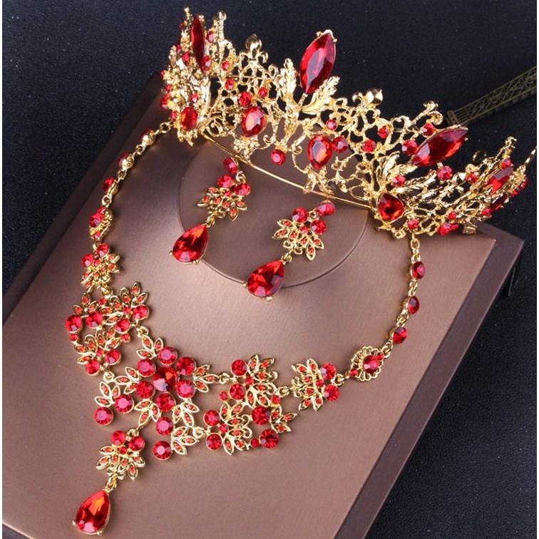 婚纱韩式新娘饰品结婚皇冠项链耳环三件套红色上新新款新娘套链