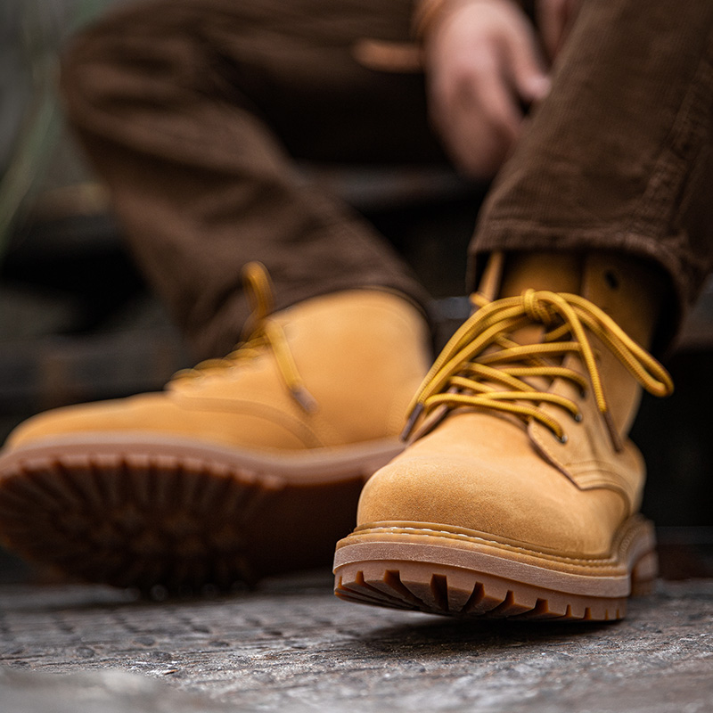 2020 new Martin boots mens middle top British Wind work clothes desert short boots trend versatile mens shoes high top rhubarb boots