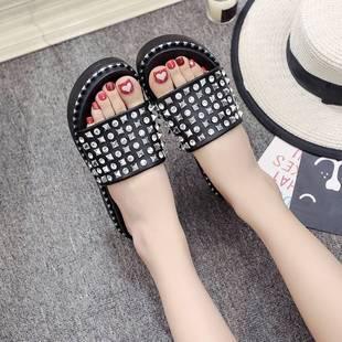 夏季新款水钻凉拖鞋女铆钉厚底跟拖女鞋时尚外穿坡跟拖鞋火热畅销