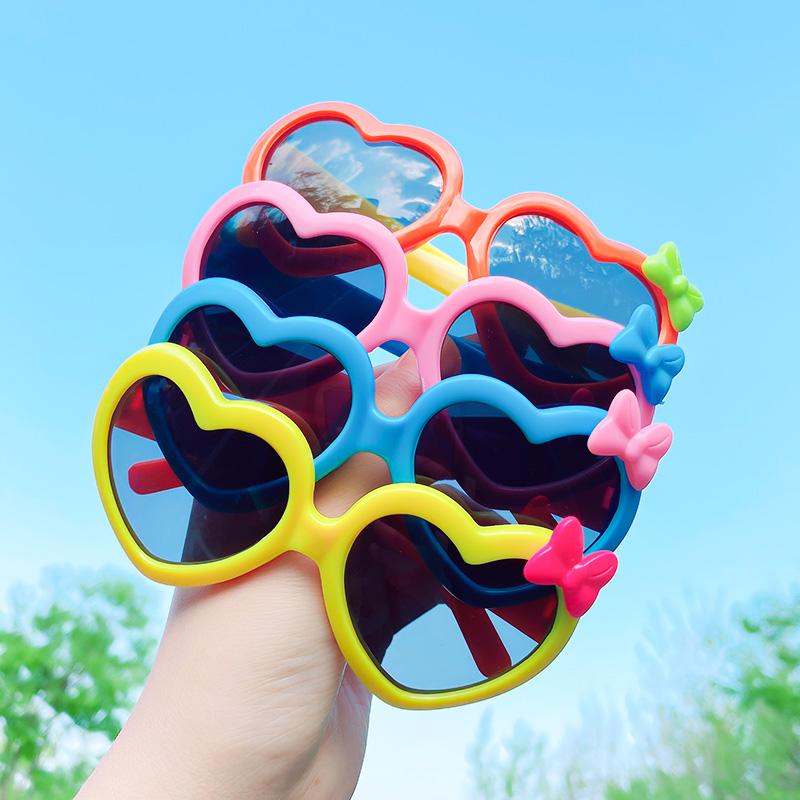 儿童太阳镜宝宝墨镜男童女童眼镜框可爱玩具卡通配饰防紫外线眼镜