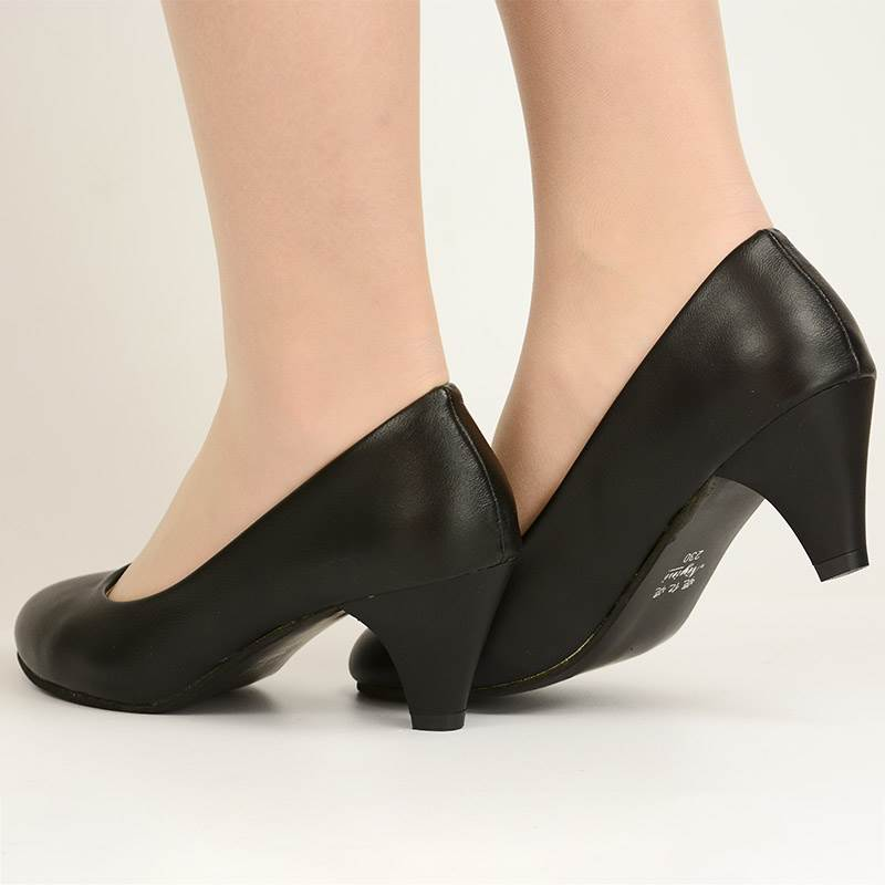 Niyinis new mid heel shoes, black round head thick heel high heels, professional work clothes and leather shoes, are popular in etiquette