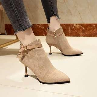 小跟短靴秋款女鞋子尖头2018春秋冬季新款高跟细跟韩版绒面女靴子