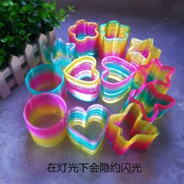 儿童魔术表演七彩发光彩虹圈圈拉伸伸缩弹力拉环塑料弹簧玩具
