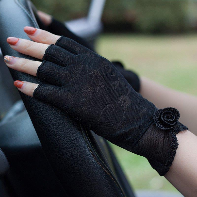 2019 new spring and summer lace driving half finger gloves sunscreen short thin open finger lady half five fingers