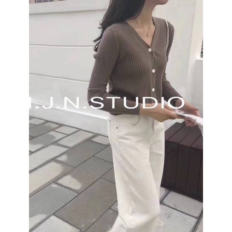 New Korean version slim fit short V-neck pit stripe knitted cardigan top womens long sleeve sweater coat with thin outside