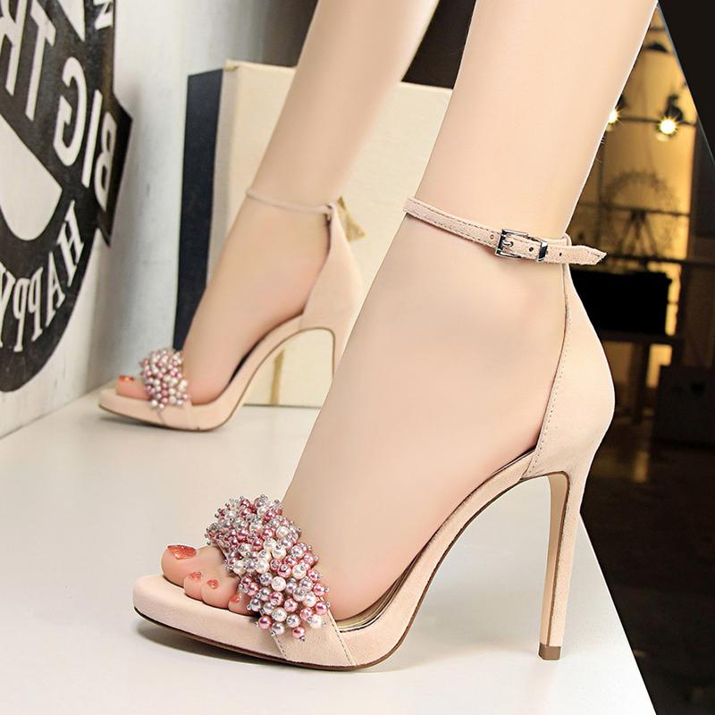 李溪芮同款法式小仙女的高跟鞋温柔风防水台一字带搭配裙子的凉鞋