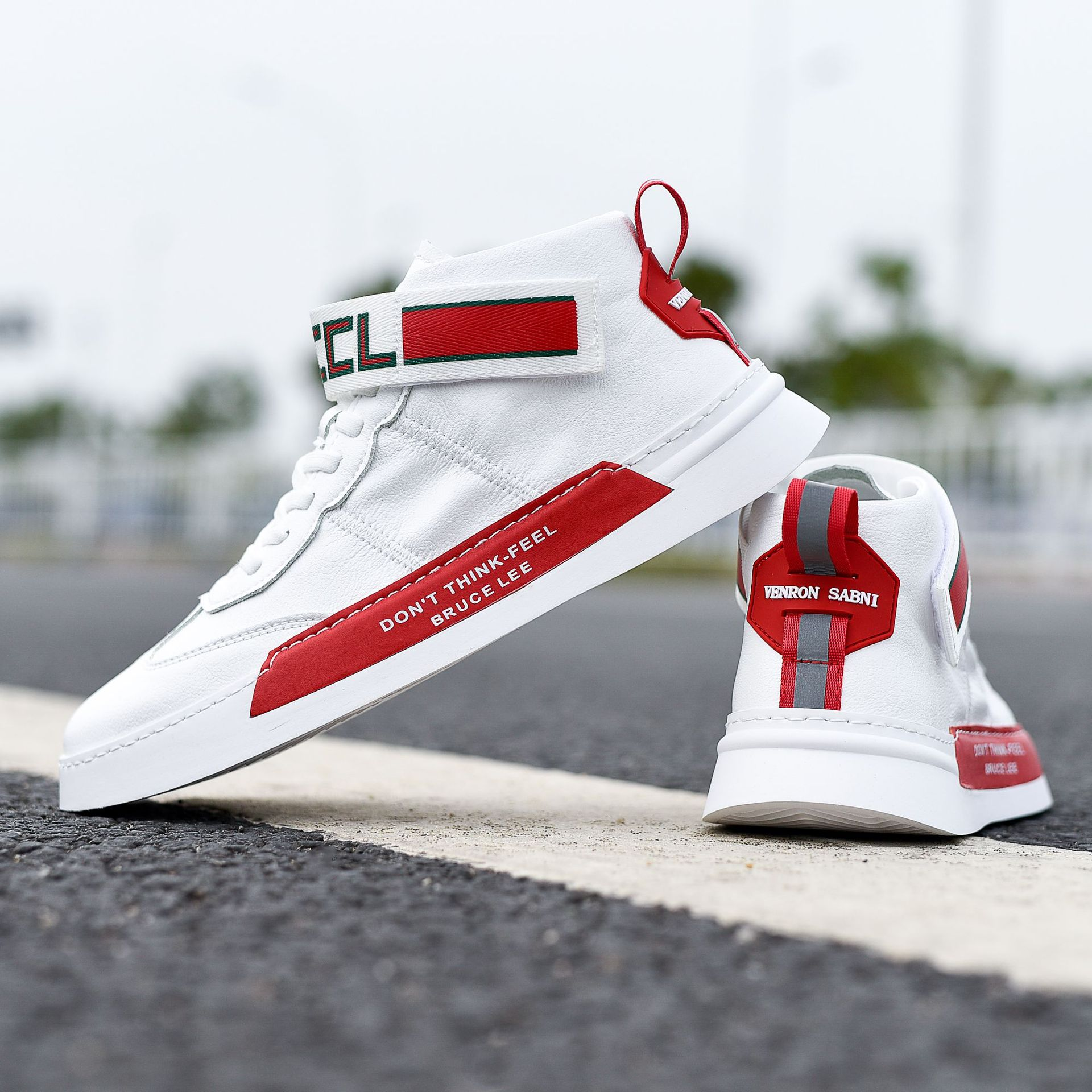 Spring and summer 2020 new online red mens small white shoes Korean version high top shoes sports shoes casual shoes board shoes magic clasp