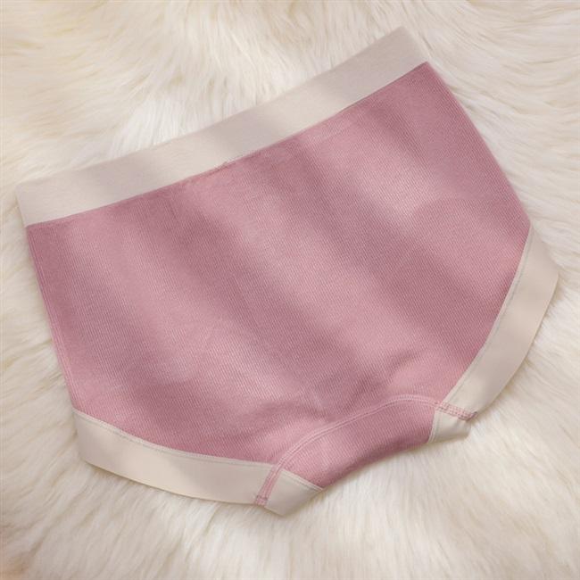 シームレスな中腰のズボンの女性の通気性のモーダルの綿の少女の日はかわいい尻の傷がない弾力性のある三角のショートパンツの頭を持ちます。