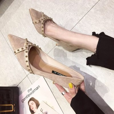 Fashion rivet high heels ~ four seasons versatile black commuting professional temperament suede thin heel shallow mouth pointed shoes