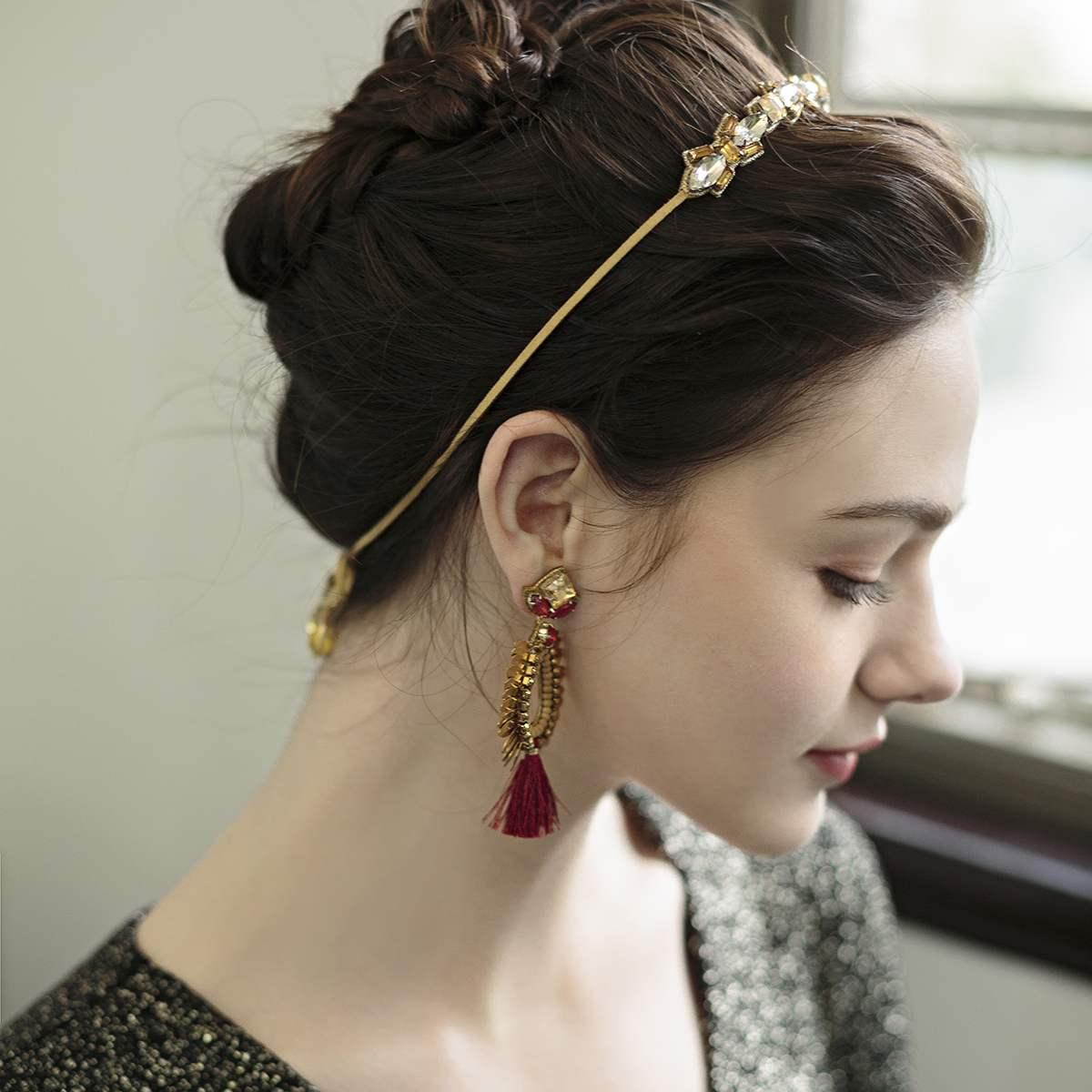美国DeepaGurnani手工制作两色水晶玻璃环状羽簇流苏耳环现货