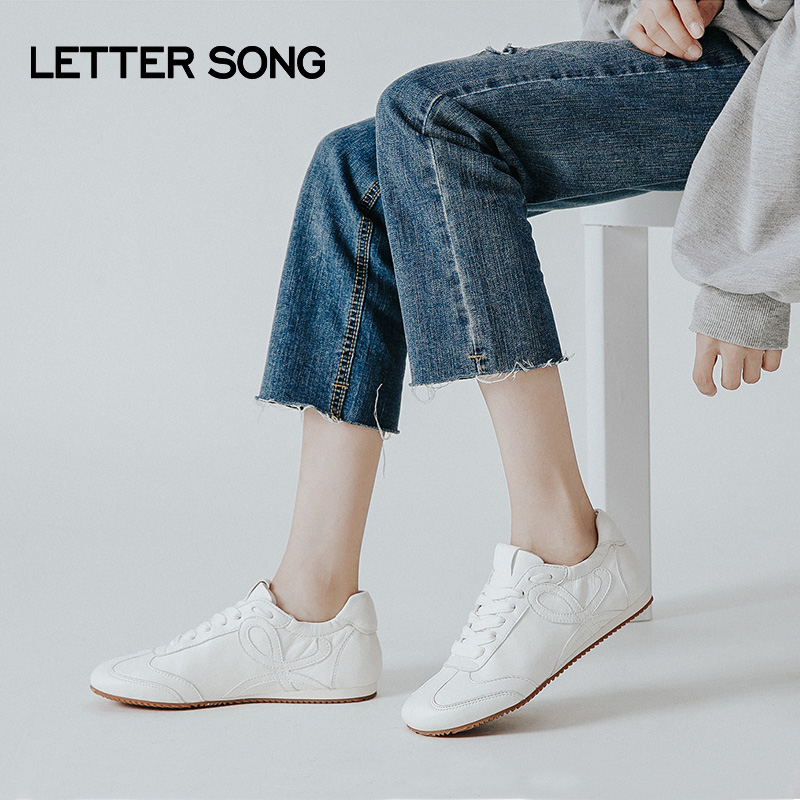 Letter song soft bottom lace up Forrest Gump shoes womens Retro casual sports shoes comfortable versatile small white shoes single shoes