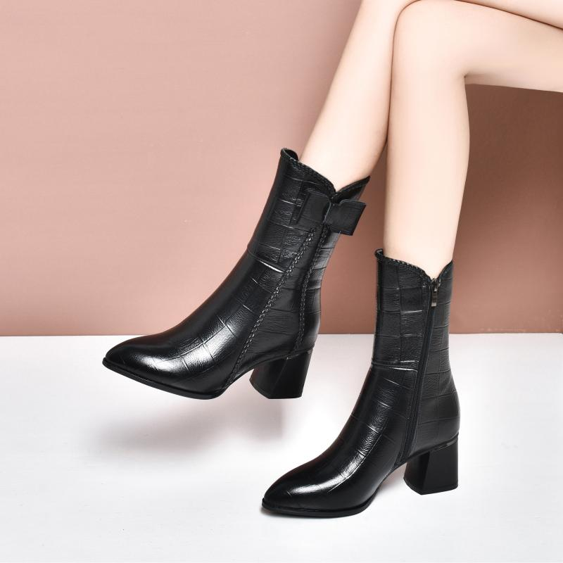 Autumn genuine leather shoes 2020 autumn and winter new thick heel middle tube boots childrens plush cotton shoes middle heel pointed short boots