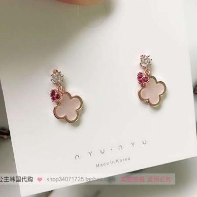 Earrings with simple design sense of stars, moon, thin face, big face, special square face, cold wind Earrings suitable for belt