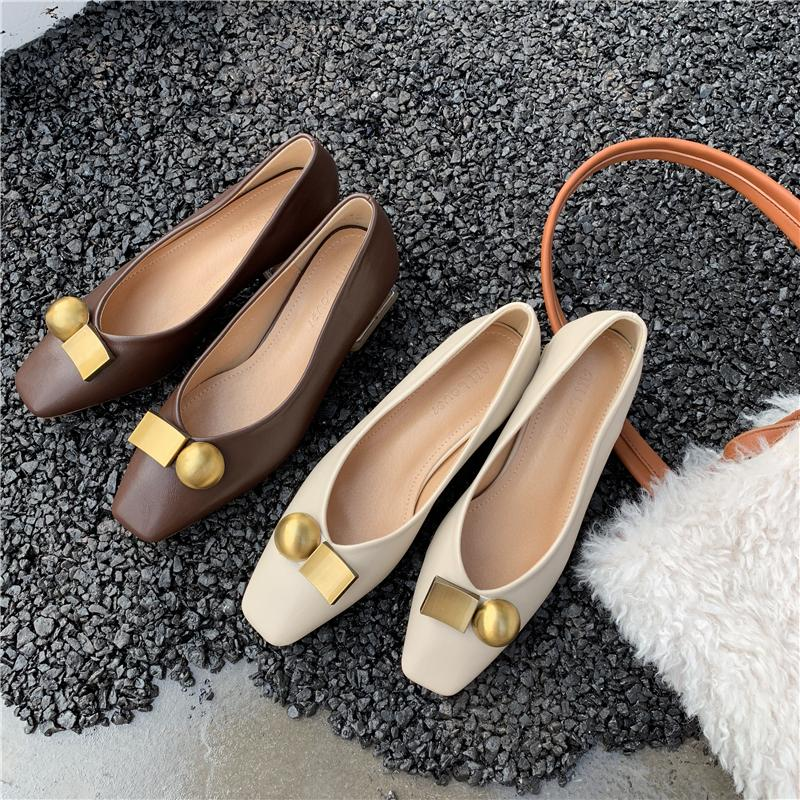 New grannys shoes are all kinds of soft sole, soft leather, antiskid boat shoes, spring and summer womens autumn shoes, fashionable shoes