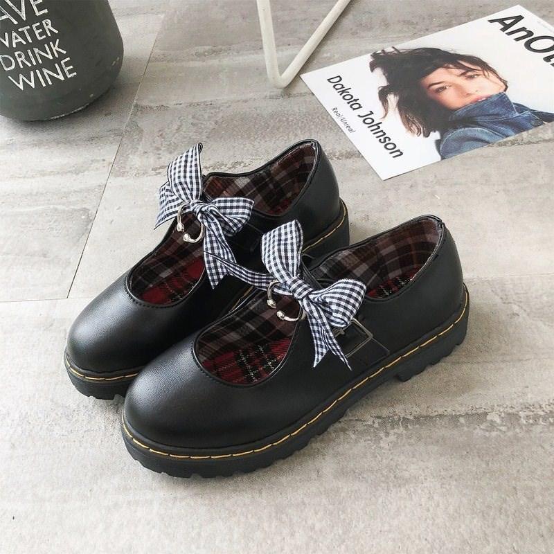 ? Japanese sweet medium heel shoes retro style soft girl high heel flat bottom Lolita girl summer Lori children.