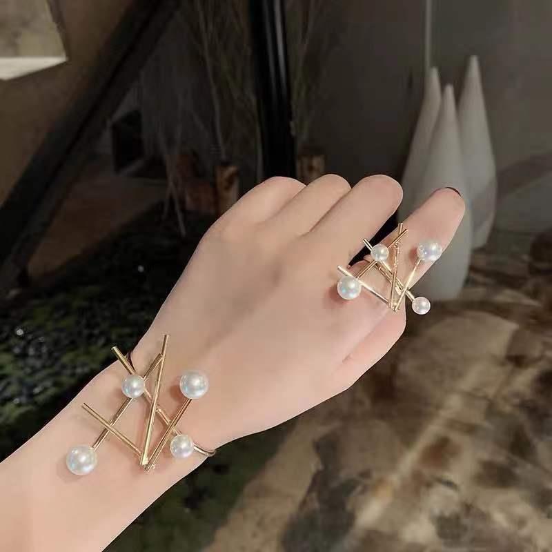 欧美设计感不规则夸张珍珠开口手镯戒指套装几何时尚手腕袖口装饰