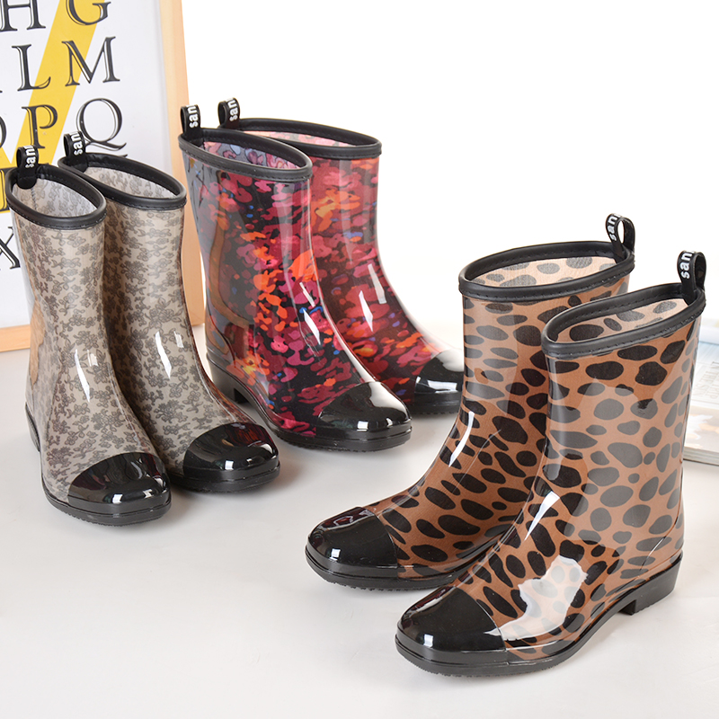 Sanmingmei spring and autumn rain shoes womens fashion medium tube water shoes Korean short tube rain boots rubber shoes antiskid water boots lazy peoples overshoes