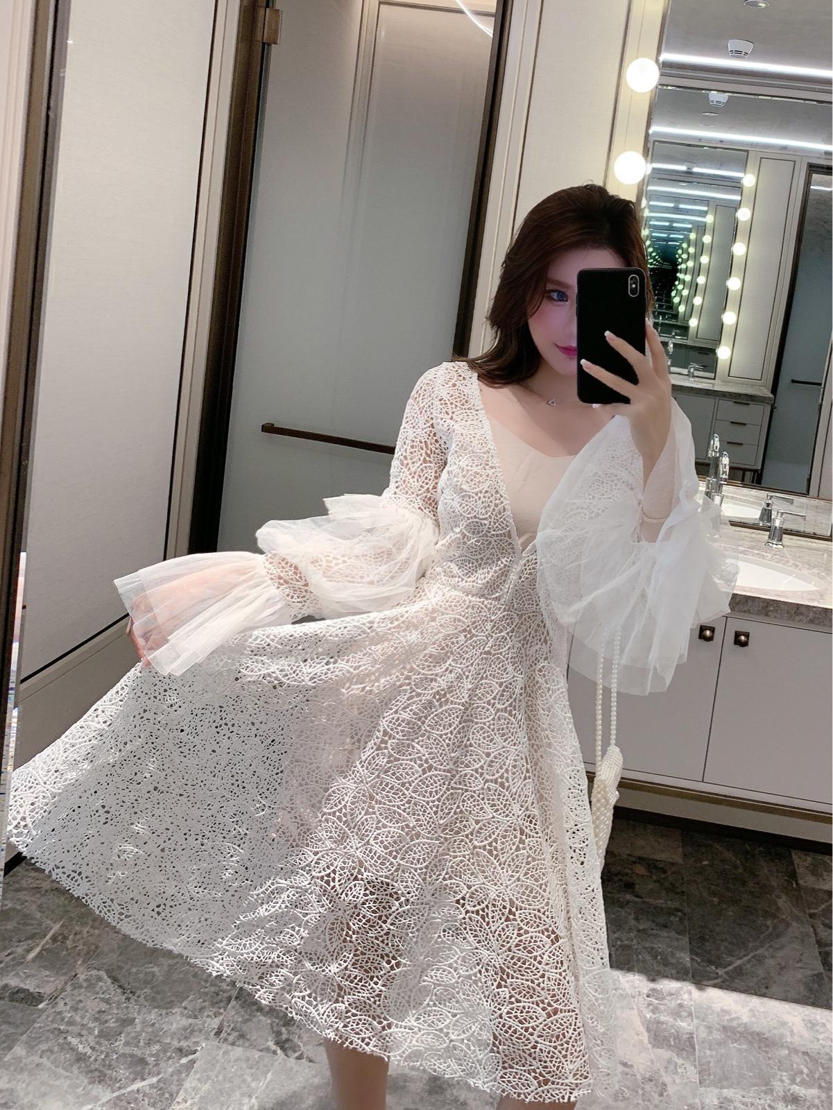 白色女仙气质ins网红蕾丝连衣裙
