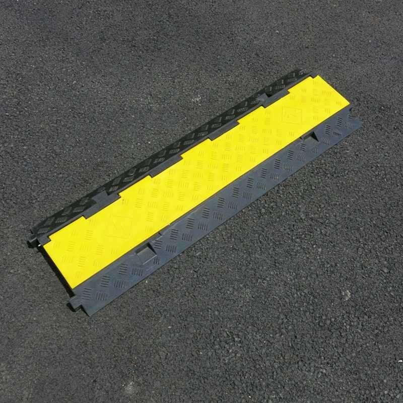 三线槽减速线槽板橡胶线槽减速带缓冲铺线板串线板压线板舞台