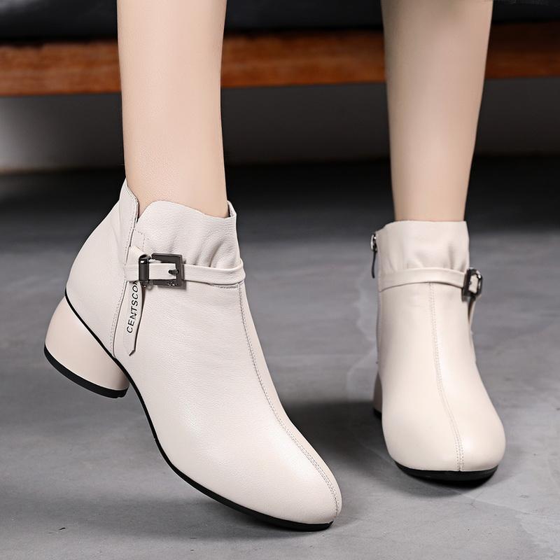 白色短靴女春秋单靴真皮大码女鞋40一43秋冬新款粗跟加绒马丁靴女