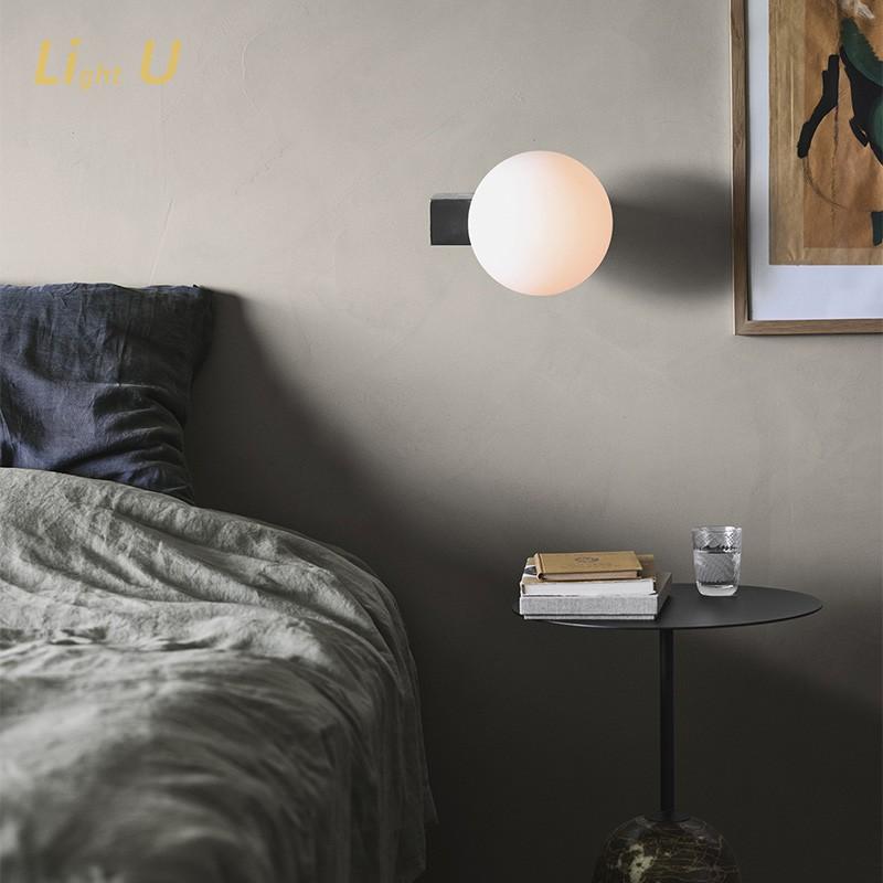 丹麦进口设计师卧室床头北欧创意月球书房可调光过道玄关壁灯台灯