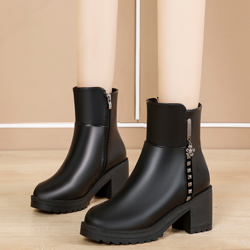 Winter middle-aged mother warm cotton shoes 7cm rivet thickening Plush thick heel thick sole waterproof platform high heel short boots female