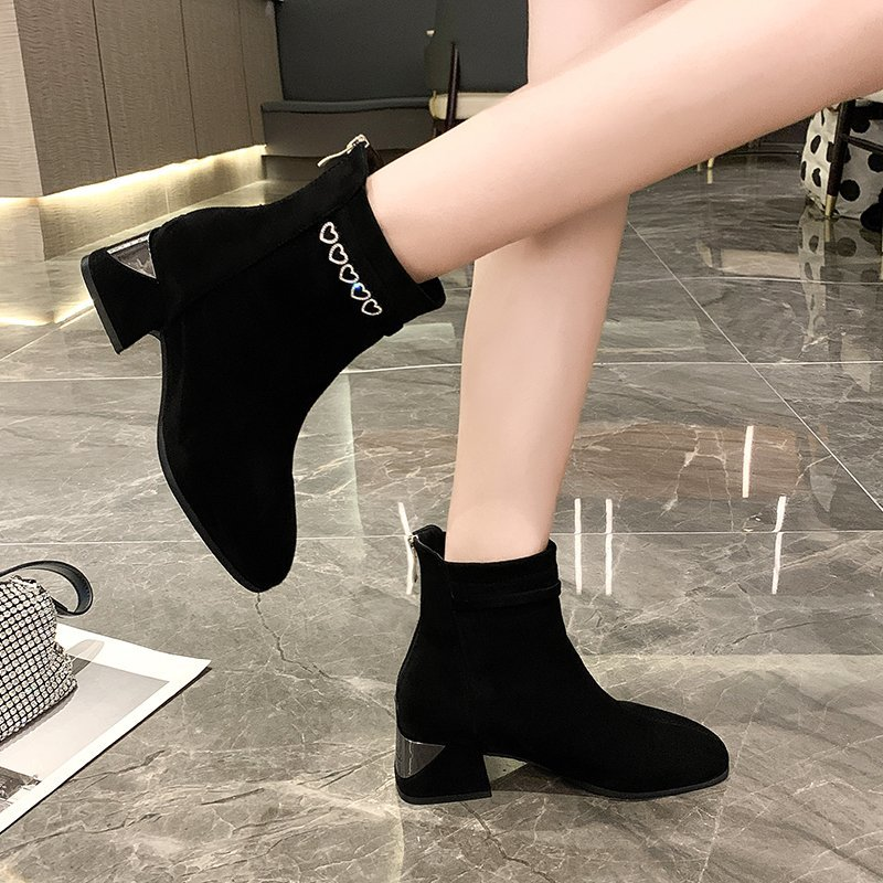 Single boot women 2020 new autumn / winter short boots thick and versatile suede medium heel Martin boots womens Plush net red skinny boots