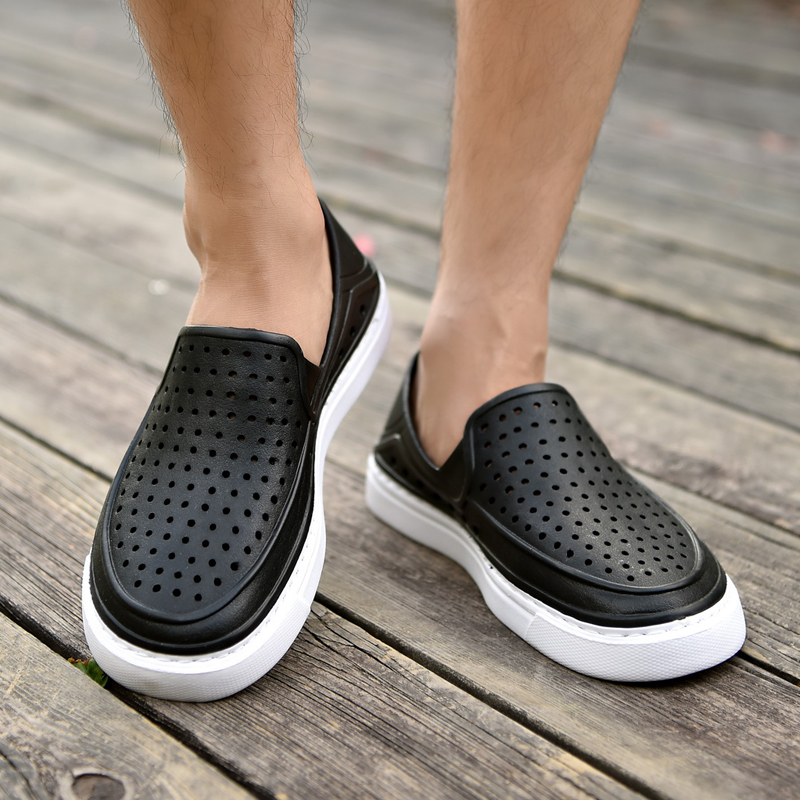 Breathable hole shoes hollow beach shoes summer package toe plastic hole shoes mens adult mesh sandals package