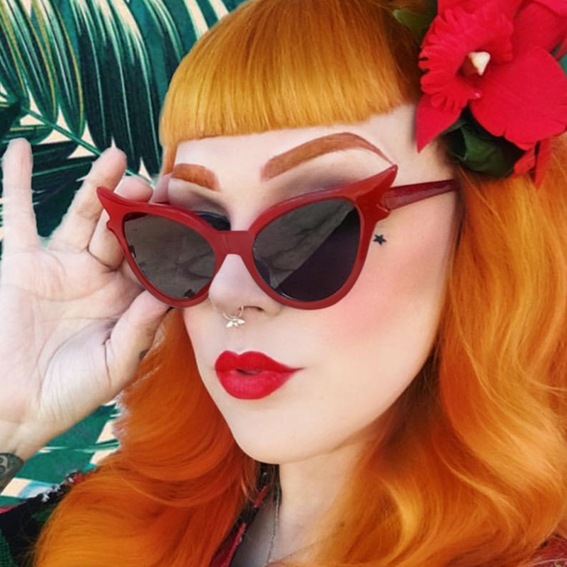 European and American retro Street Photo womens Sunglasses butterfly sunglasses cat ears butterfly glasses concave shape outdoor 5199
